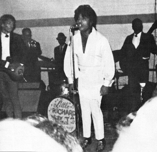 Jimi-with-Little-Richard-and-the-Crown-Jewels, CA 1965_n.JPG